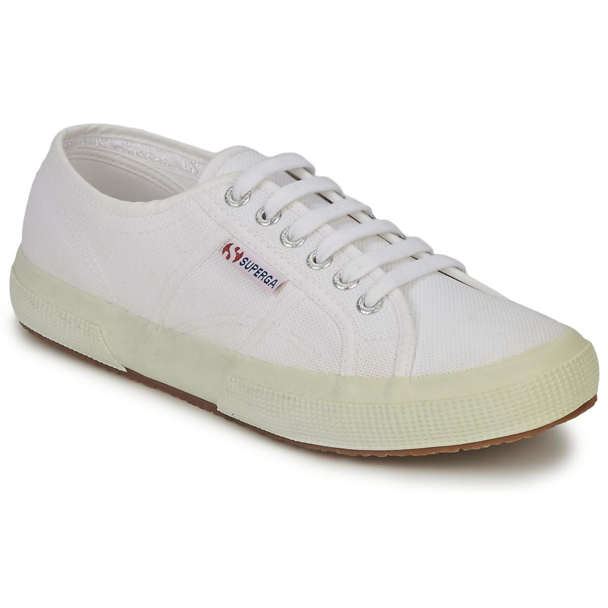 2750 Cotu Classic Sneakers in White