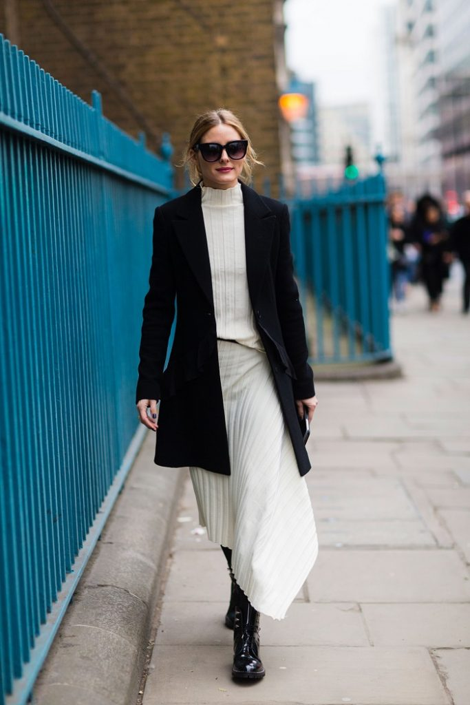 10 Office-Appropriate Ways to Wear Your Dresses With Tights and Boots